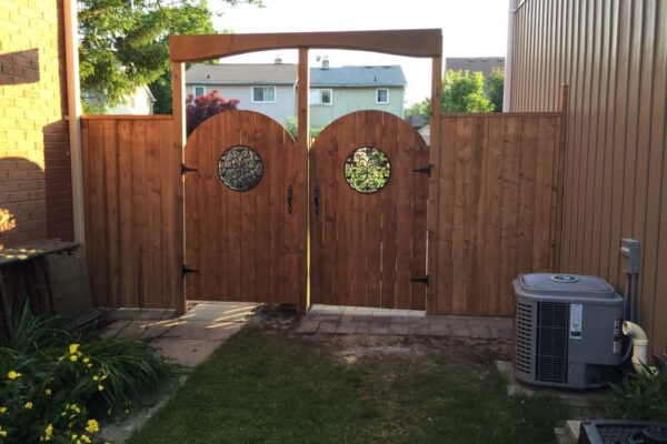 Fence Renovation - Fence and Gates - Decorative insert - Toronto - GTA